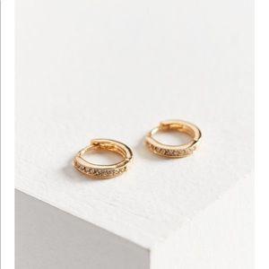 18k Rhinestone Gold plated hoop earring ✨✨